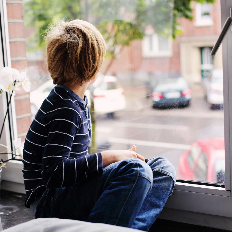 Záhada jménem autismus: Může za něj epigenetika? Nebo bakterie?